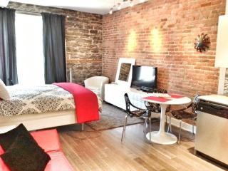 Le Village - Luxury Loft Studio - Quebec vacation rentals