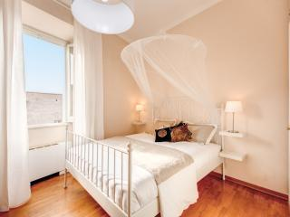 Chic Apartment Behind The Colosseum - Rome vacation rentals