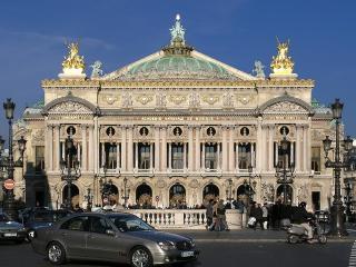 A Rare Parisian Jewel in Opera: 4 Bedroom Apartment - Paris vacation rentals