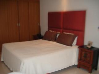 Luxurius 2 bedroom 2 bath Ocean View Apartment at View Talay 5 Beach Condo in Jomiten - Pattaya vacation rentals