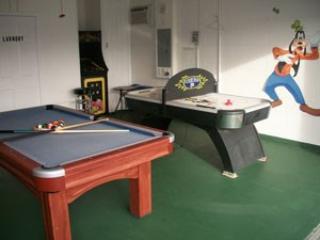 4 Bedroom 3 Bath Home Overlooking Lake With Games Room! - Image 1 - Orlando - rentals