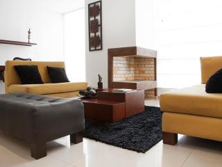 Sleek 1 Bedroom Apartment in El Chico - Bogota vacation rentals