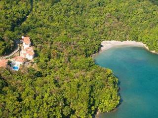 Shana Residences 2Br Condo: Sea-View Walk-to-beach - Quepos vacation rentals