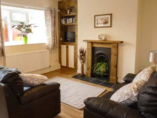 CAUSEWAY COTTAGE, pet-friendly, with a games room, in watchet, Ref. 904450 - Watchet vacation rentals