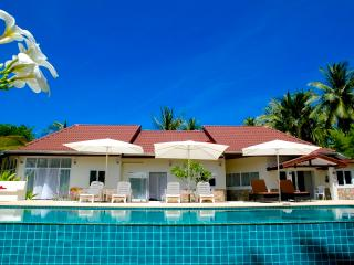 Avalon is a luxury,new build villa on the beautiful tropical island of Koh Phangan in Thailand. - Surat Thani vacation rentals