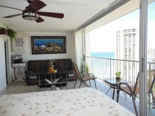 Luxury Penthouse Studio with Ocean view - Honolulu vacation rentals
