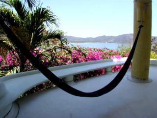 Casa Bugambilia - Zihuatanejo vacation rentals