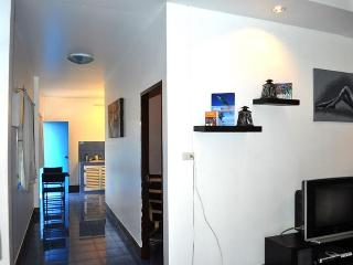 1 BR - House New renovate with fully furnished in Naiharn - Sao Hai vacation rentals
