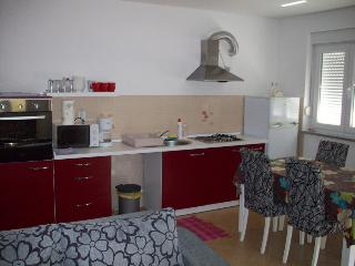 New sunny apartment in Liznjan - Liznjan vacation rentals