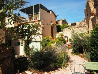 Languedoc House with views,terrace and garden - Pyrenees-Orientales vacation rentals