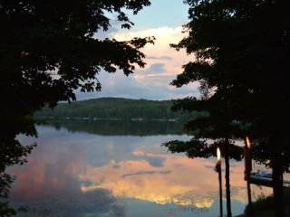 Beautiful Quiet Cottage on Fox Lake in Ontario (Pr - Huntsville vacation rentals