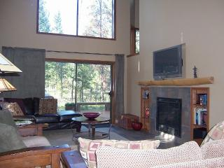 Book Summer Vacation NOW.  Sleeps 12, Dog OK - Sunriver vacation rentals