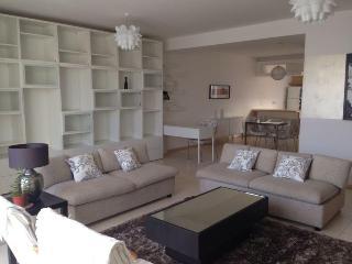Bright & Modern 2 Bed Apartment Swieqi - Centre - Naxxar vacation rentals