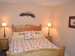 3 Bedroom - New Condo - Walk to town- Big Horn - Estes Park vacation rentals