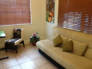 "den with futon and desk - Jewel ""Off-Brickell"" 1 Bedroom + Den, Parking- Gat - Coconut Grove - rentals"