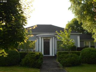 1940s Vintage Home in McMinnville - Sheridan vacation rentals