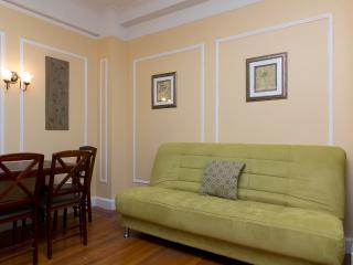 Sleeps 5! 2 Bed/1 Bath Apartment, Upper West Side, Awesome! (8497) - New York City vacation rentals