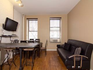 Sleeps 7! 3 Bed/2 Bath Apartment, Times Square, Awesome! (7836) - New York City vacation rentals
