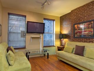 Sleeps 6! 2 Bed/2 Bath Apartment, Times Square, Awesome! (7971) - New York City vacation rentals