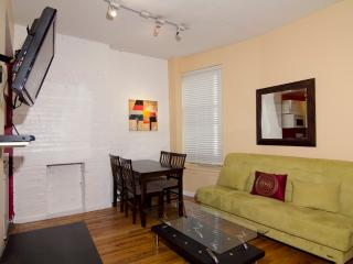 Sleeps 7! 4 Bed/2 Bath Apartment, Times Square, Awesome! (8091) - New York City vacation rentals