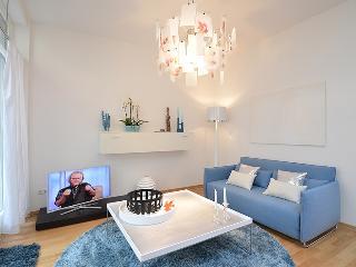 'Damai' exclusive Designer Apartment in the center - Munich vacation rentals