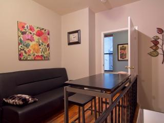 Sleeps 5! 2 Bed/1.5 Bath Apartment, Greenwich Village, Awesome! (8148) - New York City vacation rentals