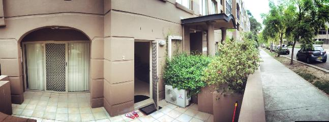 1 blissful bedroom in Sydney - Makati vacation rentals