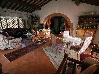Wonderful 2 Bedroom Tuscan Apartment in Chianti - Poggio alla Croce vacation rentals
