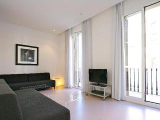 Big apartment for 9 guests, ideal for groups! - Barcelona vacation rentals