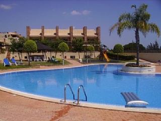 Luxury apartment with WiFi next to Millenium golf - Vilamoura vacation rentals