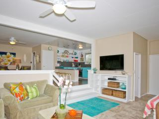 Lovely beach front cottage on the Northshore of Oa - Oahu vacation rentals