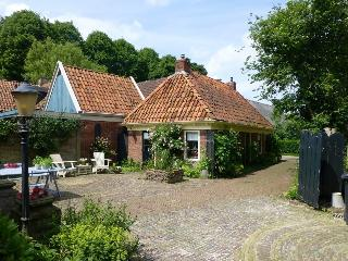 Unique beautiful  cottage with private sauna - Westergeest vacation rentals