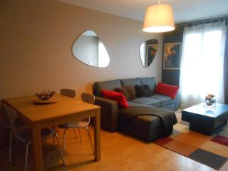 2 bedroomed apartment Next to Disneyland Paris - Bailly-Romainvilliers vacation rentals