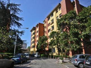 Warm and Inviting Studio Apartment in Florence, Fares Studio - Donnini vacation rentals