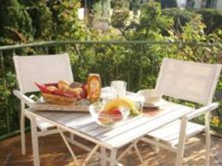 LLAG Luxury Vacation Apartment in Aachen - 377 sqft, quiet, cozy, natural (# 4857) - North Rhine-Westphalia vacation rentals