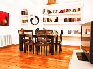 Atelier San Pietro - Stylish apt close to history - Rome vacation rentals
