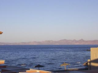 3 Bedroom Villa - steps from the Sea of Cortez. - Loreto vacation rentals