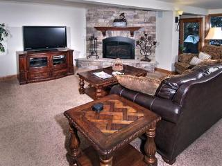Luxury & Convenience W/Hot Tub Right On Gore Creek - Vail vacation rentals