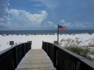 DIRECTLY ON THE GULF - ROMANTIC GET-A-WAY, 3rd fl - Orange Beach vacation rentals