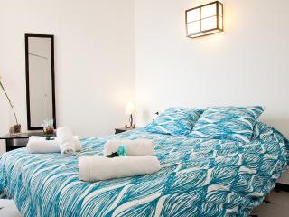Spectacular Oceanfront Apartment in Palma (R115) - Palma de Mallorca vacation rentals