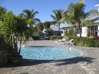 New! Golf & Swim Resort Condo - Naples/Lely Resort - Naples vacation rentals