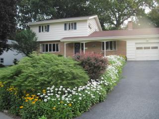 Great Space, Beautiful Yard - New London vacation rentals
