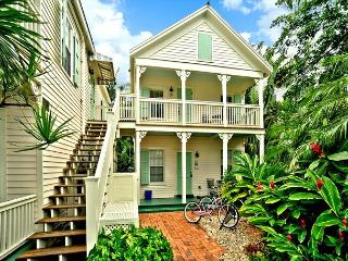 Palm Gardens - Great for Big Groups! 4 Condos 4 Hot Tubs 1 Pool. Sleeps 16! - Key West vacation rentals