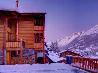 Chalet Castor- freestanding, independent, hot tub - Valais vacation rentals