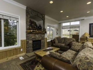 Snowbasin South View Condo | Luxury 4 Bedroom | Lakeside Unit 22 - Huntsville vacation rentals