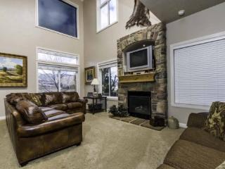 Snowbasin View Condo | Luxury 3 Bedroom | Lakeside Unit 38 - Huntsville vacation rentals