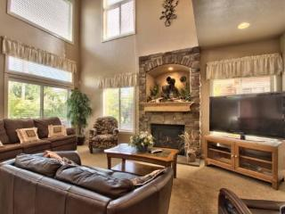 Snowbasin Park View Huntsville Condo | Luxury 3 bedroom | Lakeside Unit 77 - Huntsville vacation rentals