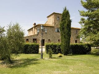 Etrusco 8 - Lajatico vacation rentals