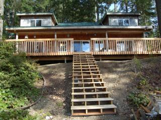 Beautiful Lake Retreat on Olympic Peninsula - Hoodsport vacation rentals