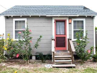 Sea Biscuit Cottage in 'Old Town' - Port Aransas vacation rentals
